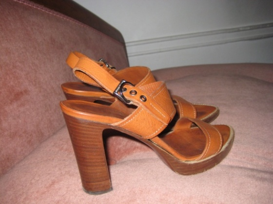 Prada sandals àvendre